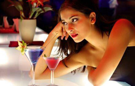 girl_date_bar