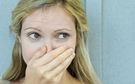 embarrassed-girl-hand