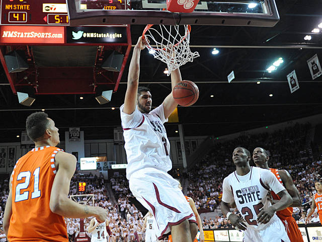 Can the gargantuan Sim Bhullar lead New Mexico State to an upset?