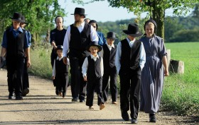 picture of amish family