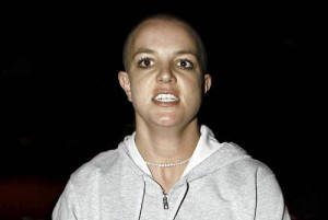 britney-spears-with-shaved-head