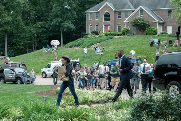 Swarms of paparazzi make their presence felt in Gone Girl...and in analogous real-world situations.
