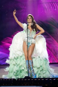 today-miss-universe-costume-brazil.ss_full