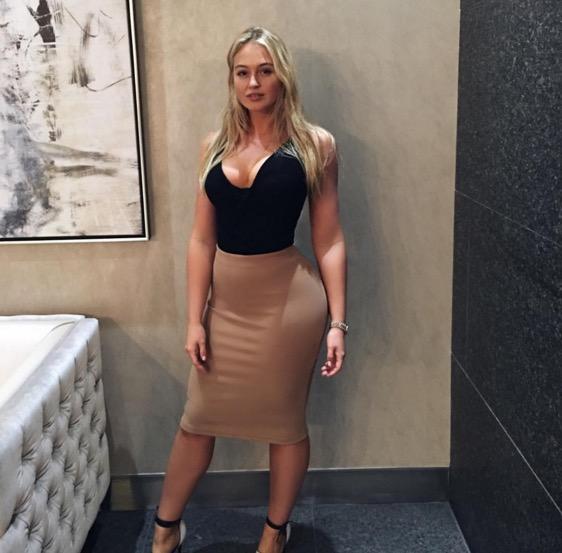 Frauen zeigen ihre titten